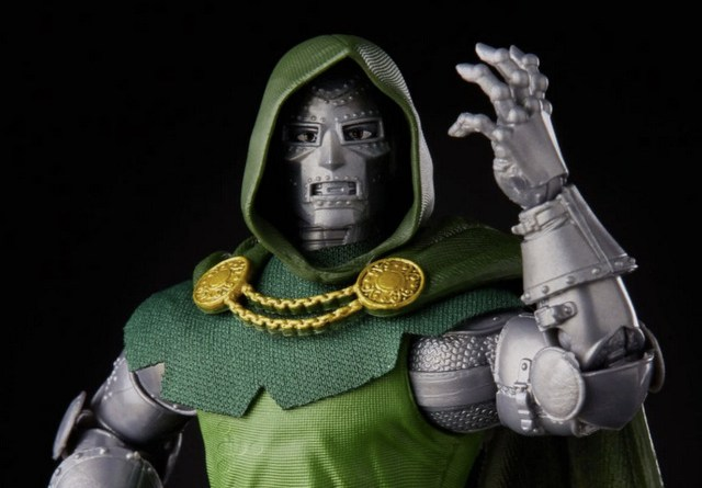 Fantastic Four Marvel Legends Series 6-Inch Doctor Doom figure - main pic