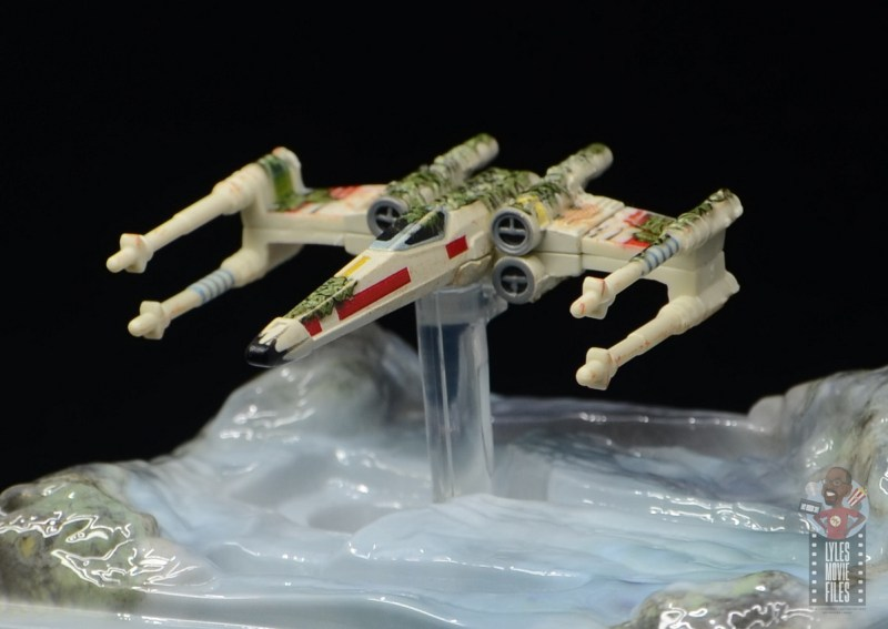 Hot Wheels The Empire Strikes Back X-Wing Dagobah swamp review - elevated on base