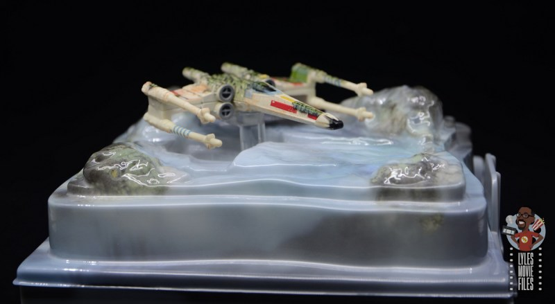Hot Wheels The Empire Strikes Back X-Wing Dagobah swamp review - wide base