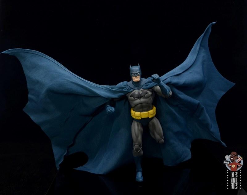 mafex hush batman figure review -cape flowing on the run