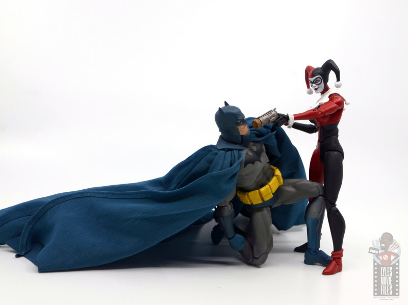 mafex hush batman figure review - cornered by harley quinn