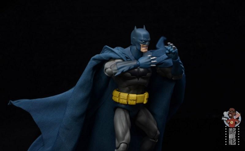 mafex hush batman figure review - with batarang knuckles