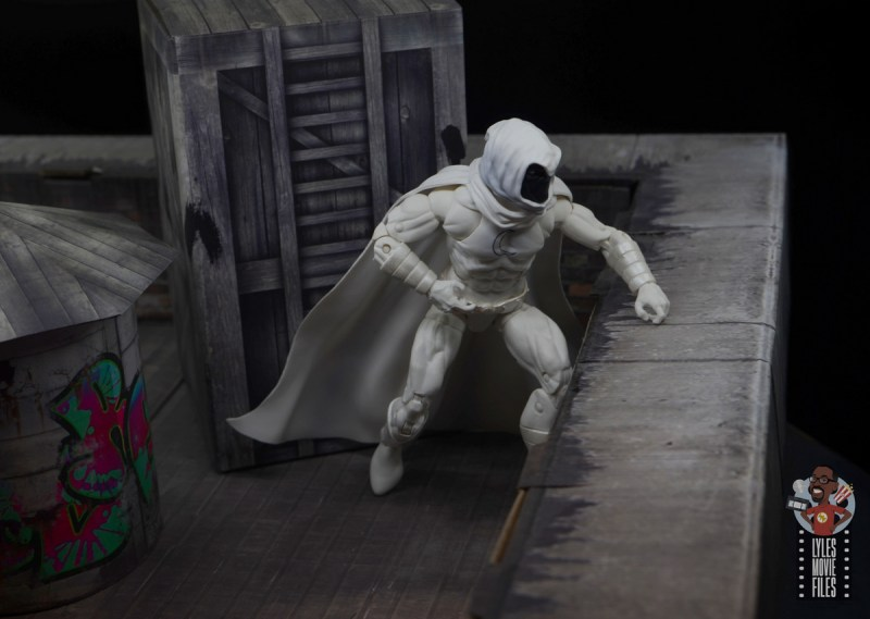 marvel legends moon knight figure review - on the rooftop
