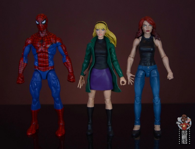 marvel legends retro gwen stacy figure review - scale with spider-man and mary jane