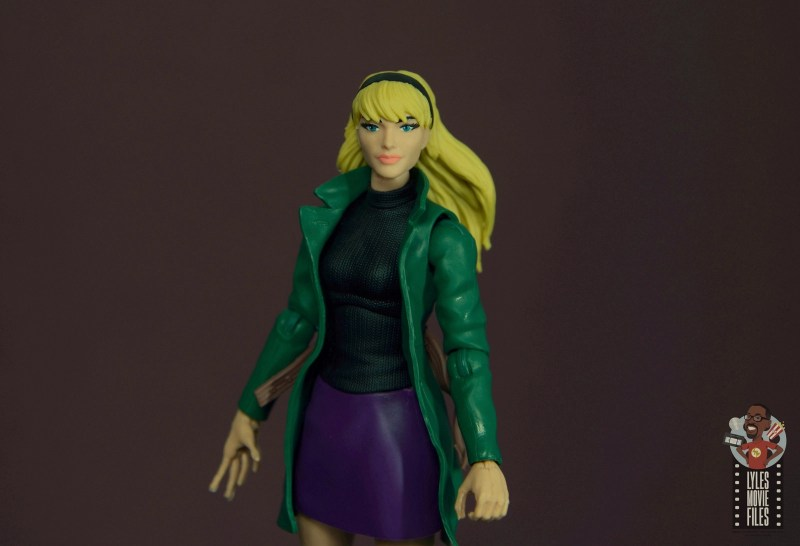 marvel legends retro gwen stacy figure review - wide pic
