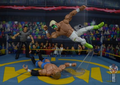 wwe elite 62 sting figure review - big elbow to sid vicious