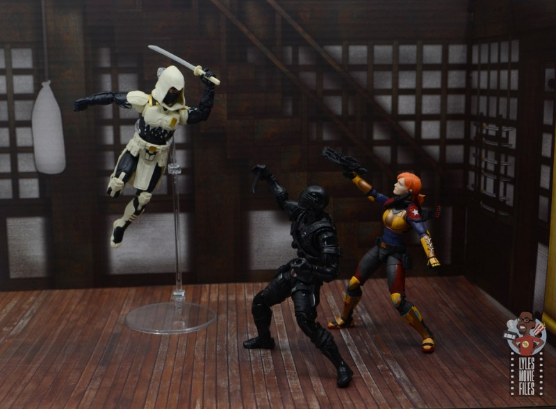 g.i. joe classified series arctic storm shadow figure review - training with snake eyes and scarlet
