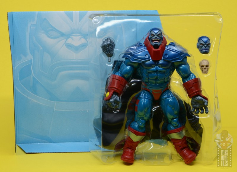 marvel legends apocaylpse - apocalypse figure review -accessories in tray
