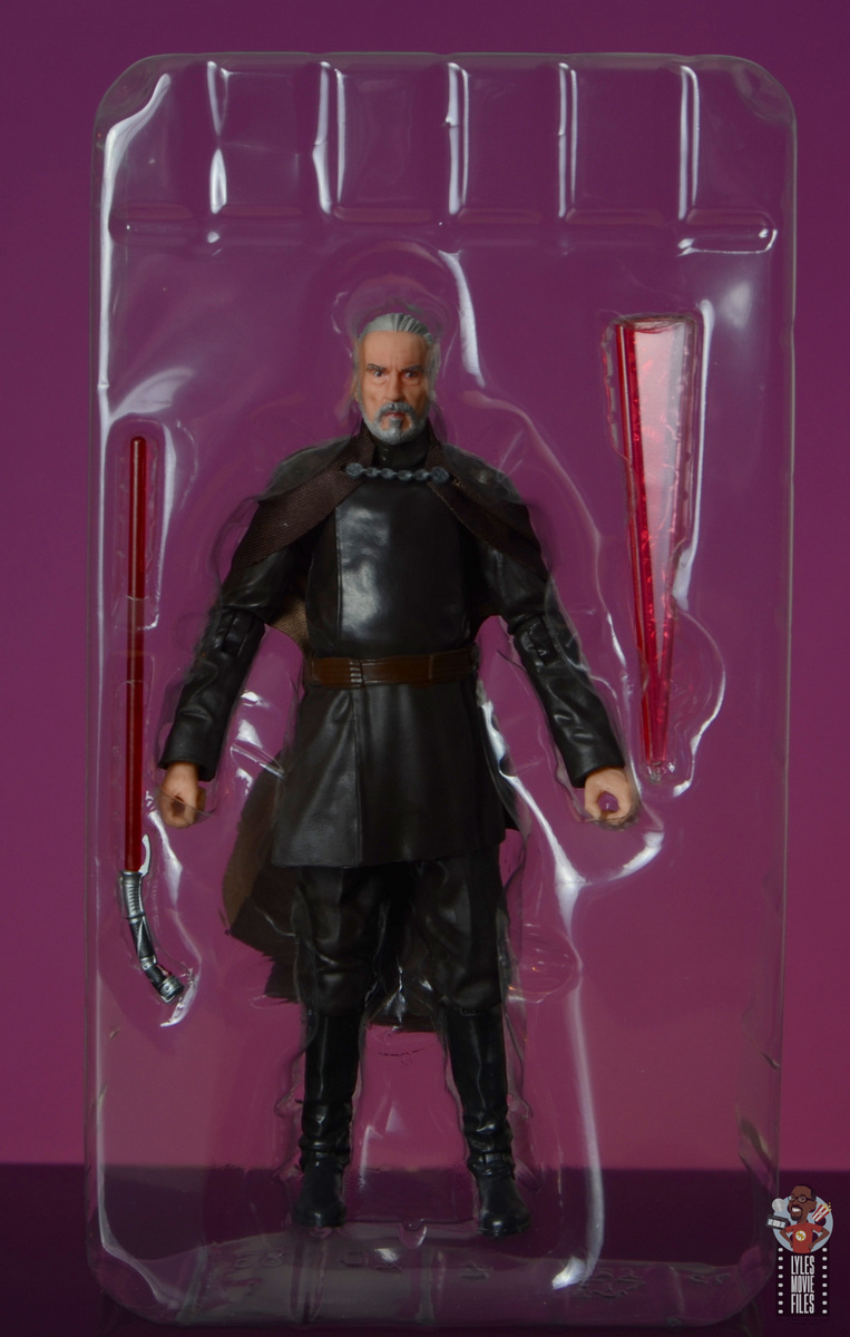 star wars the black series count dooku figure review -accessories in tray