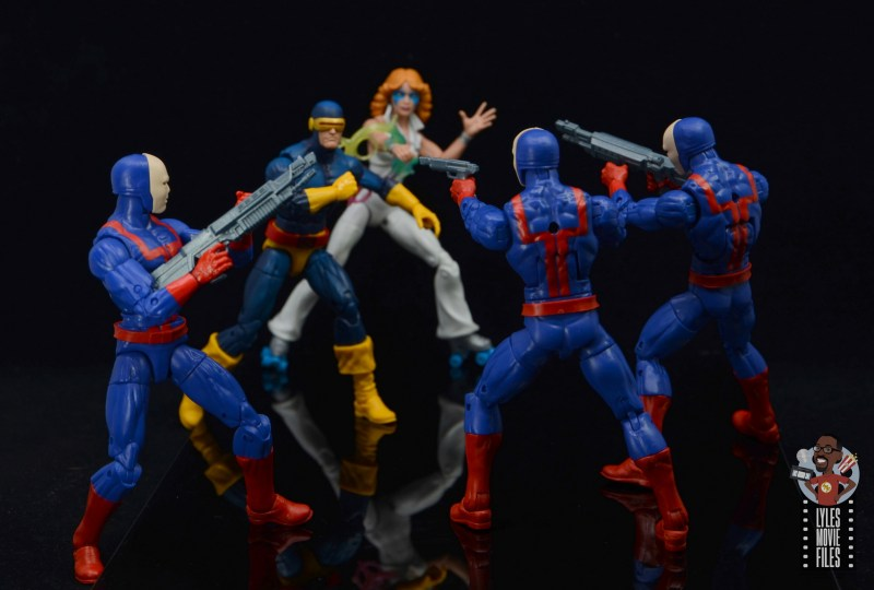 marvel legends hellfire club guard figure review - confronting cyclops and dazzler