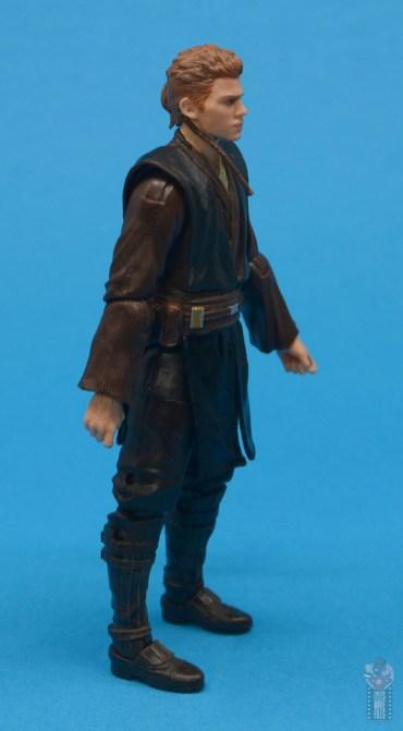 star wars the black series anakin skywalker padawan figure review - right side