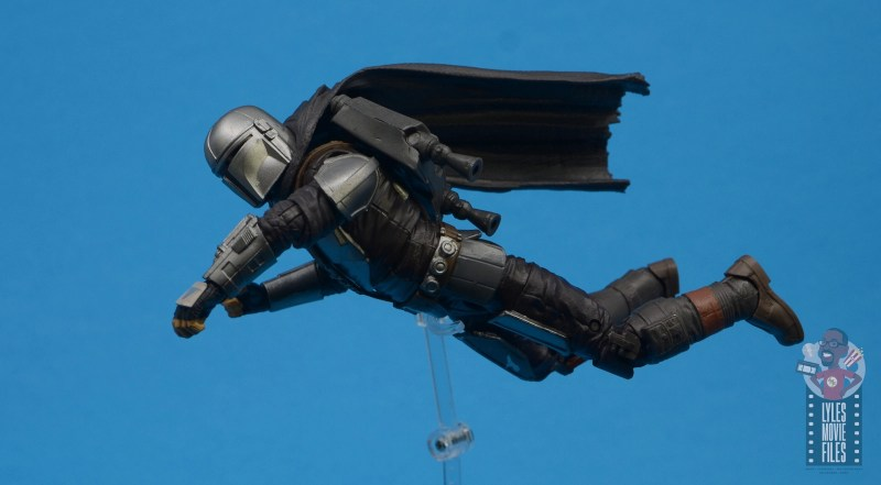 star wars the black series the mandalorian beskar armor figure review - flying on jetpack