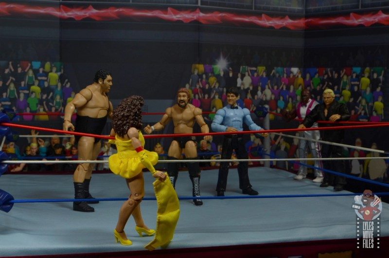 wwe elite series 77 miss elizabeth figure review - itsy bitsy surprise for the megabucks