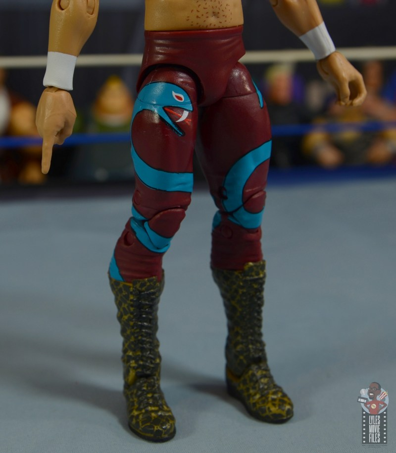 wwe legends 8 jake the snake roberts figure review - tight detail
