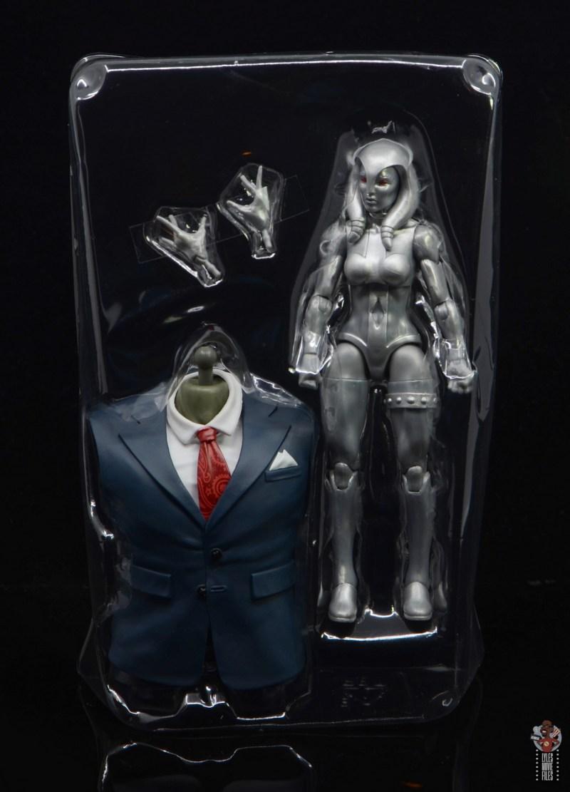 marvel legends jocasta figure review - accessories in tray