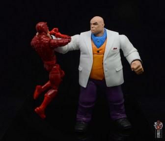 marvel legends retro kingpin figure review - choking out daredevil