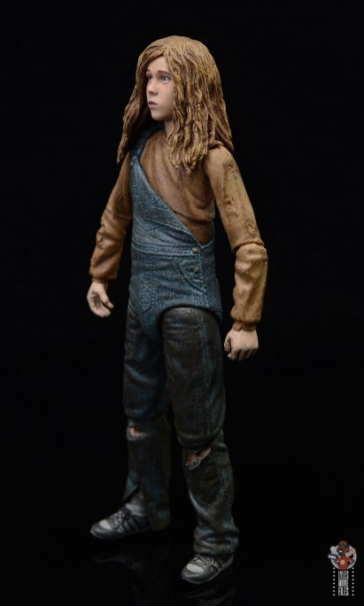 neca aliens newt figure review - left side