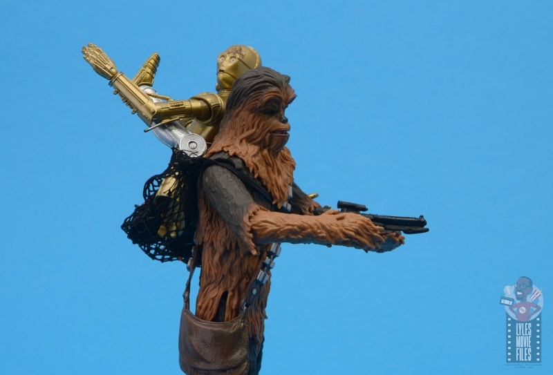 star wars the black series chewbacca and c-3p0 figure set review -carrying c-3po