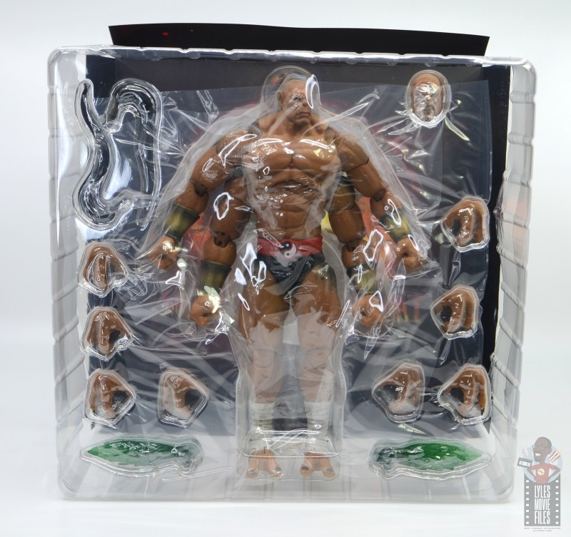 storm collectibles mortal kombat goro figure review - inner package