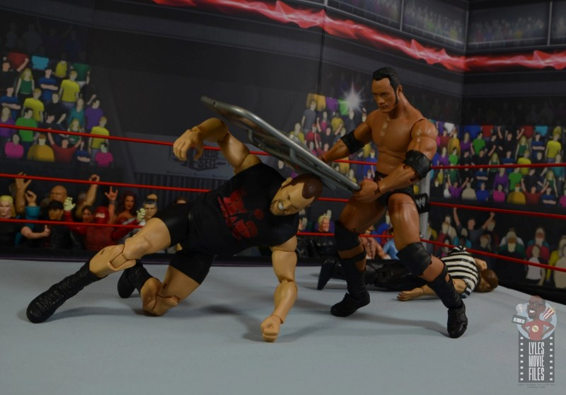 wwe ultimate edition the rock figure review - chair shot to the big show
