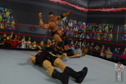 wwe ultimate edition the rock figure review - people's elbow to the big show