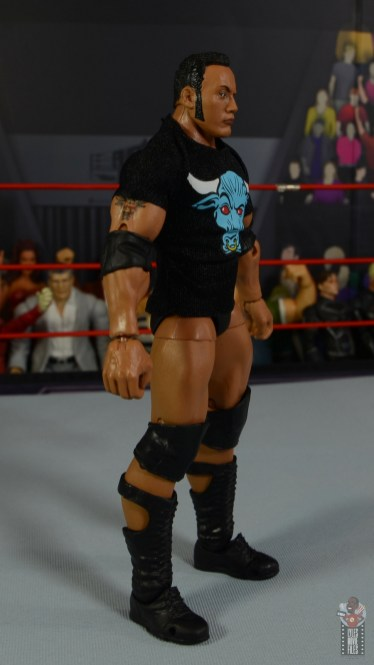 wwe ultimate edition the rock figure review - t-shirt right side