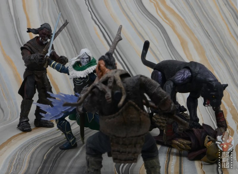 dungeons and dragons drizzt and guenhwyvar figure review - fighting orcs