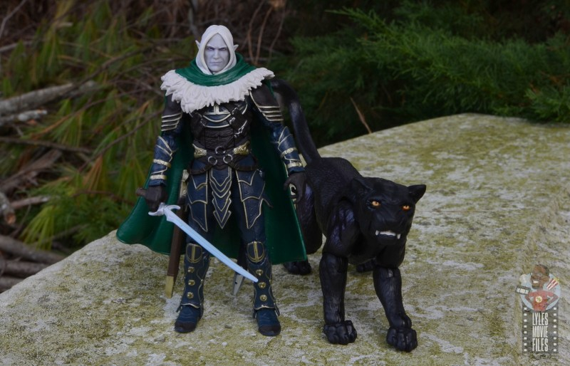 dungeons and dragons drizzt and guenhwyvar figure review - wide shot