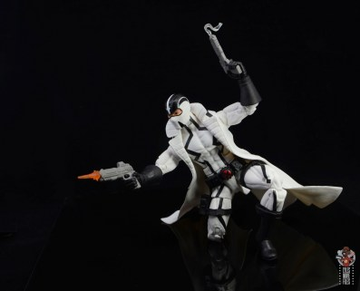 marvel legends nimrod, fantomex and psylocke figure review - fantomex fiiring off weapons