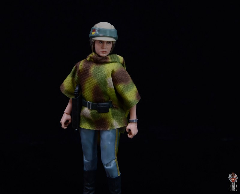 star wars the black series princess leia endor figure review -looking to the side