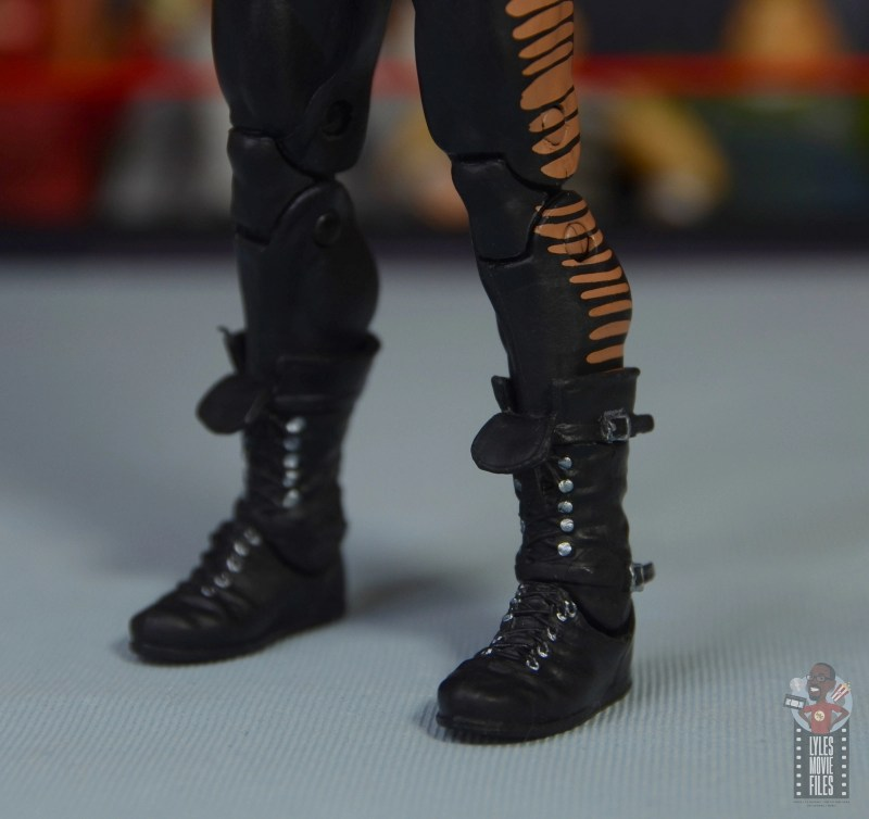 wwe triple h and chyna figure set review - chyna boots detail