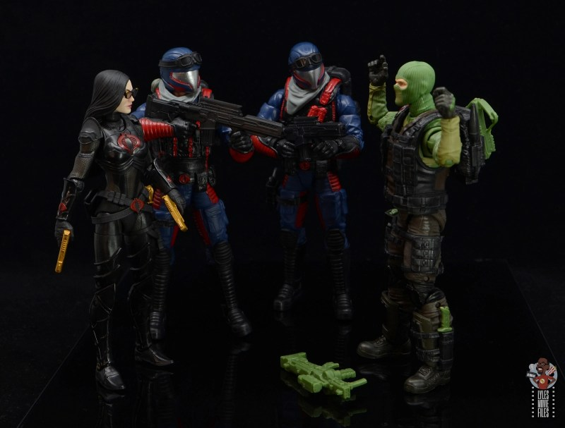 gi joe classified series cobra viper figure review - capturing beach head with baroness
