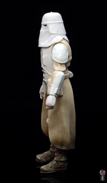star-wars-the-black-series-imperial-snowtrooper-figure-review-left-detail