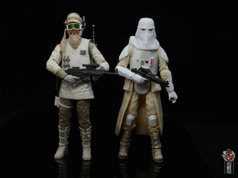 star-wars-the-black-series-imperial-snowtrooper-figure-review-scale-with-hoth-trooper