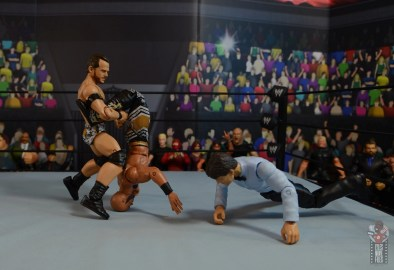 wwe elite 72 roderick strong figure review - knee to back submission
