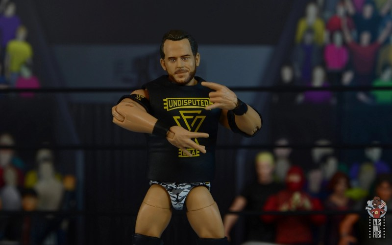 wwe elite 72 roderick strong figure review - ue pose