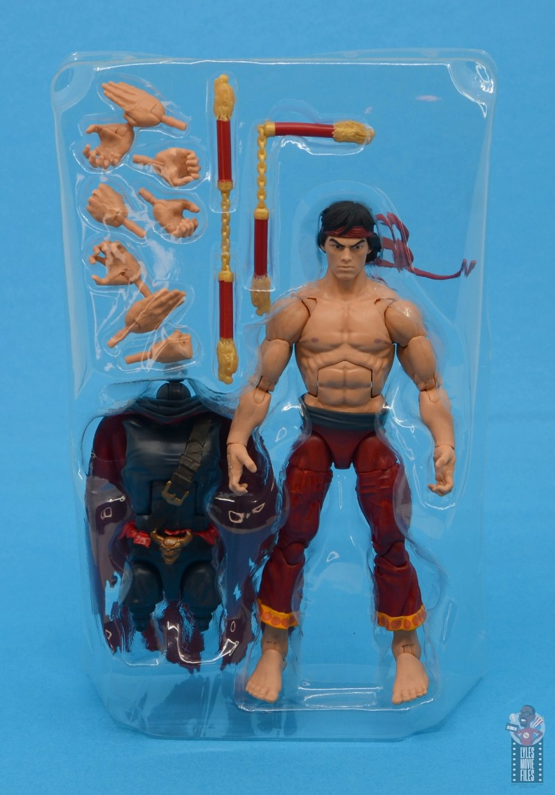 marvel-legends-shang-chi-figure-review-accessories-in-tray