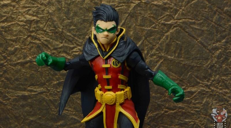 mcfarlane-toys-robin-figure-review-main-pic