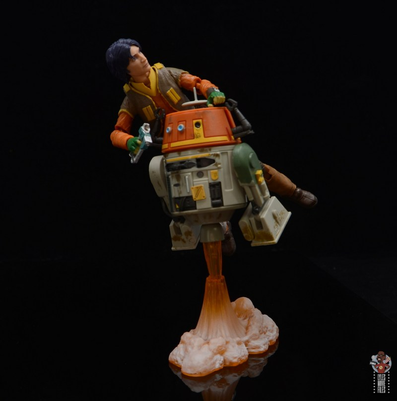 star-wars-the-black-series-chopper-figure-review-ezra-hitching-a-ride