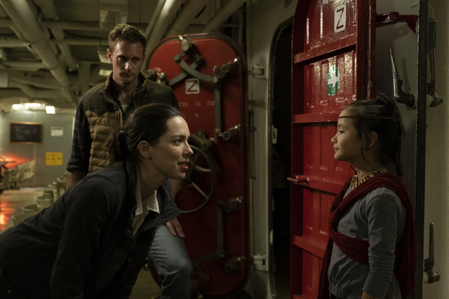 godzilla vs. kong review - rebecca hall, alexander skarsgard and kayle hottle