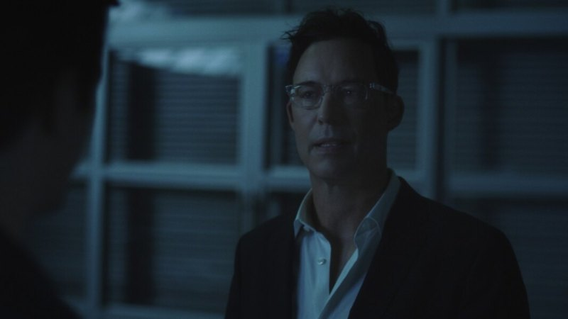 the flash - mother review - harrison wells
