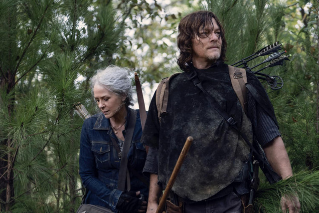 the-walking-dead-find-me review - carol and daryl