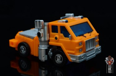 transformers kingdom war for cybertron huffer figure review - truck plan right side