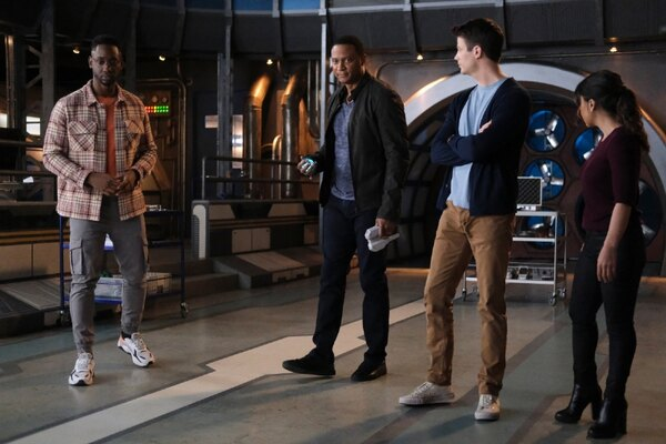 the flash pow review - chester, diggle, barry and cecile