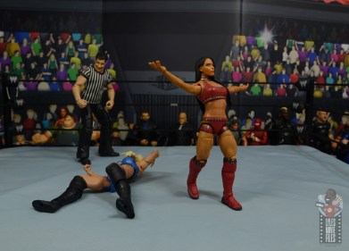 wwe elite 84 zelina vega review - taunting the fans