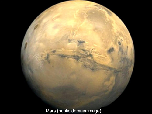 public domain image of Mars from space, Going to Mars book reviews, lynettemburrows.com