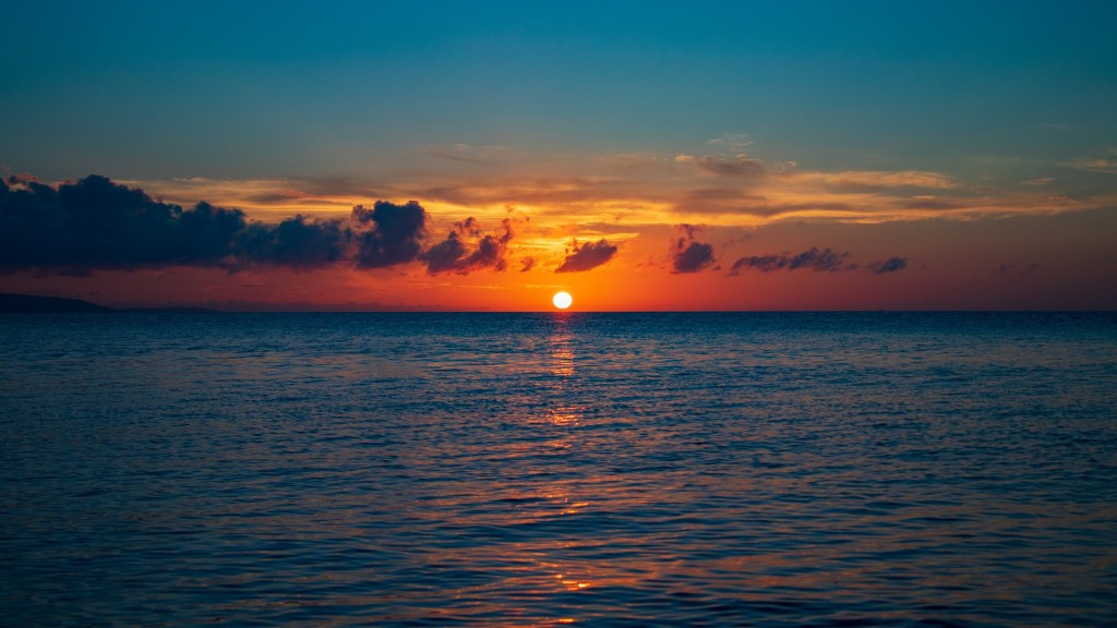 image of the sunset on the ocean
