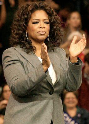 Photo of Oprah Winfrey clapping