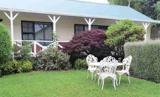 Picturesque motel unit and garden at Kerry Lane Motel in Hawera.