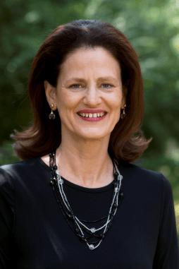 Headshot  Lynn Hessse